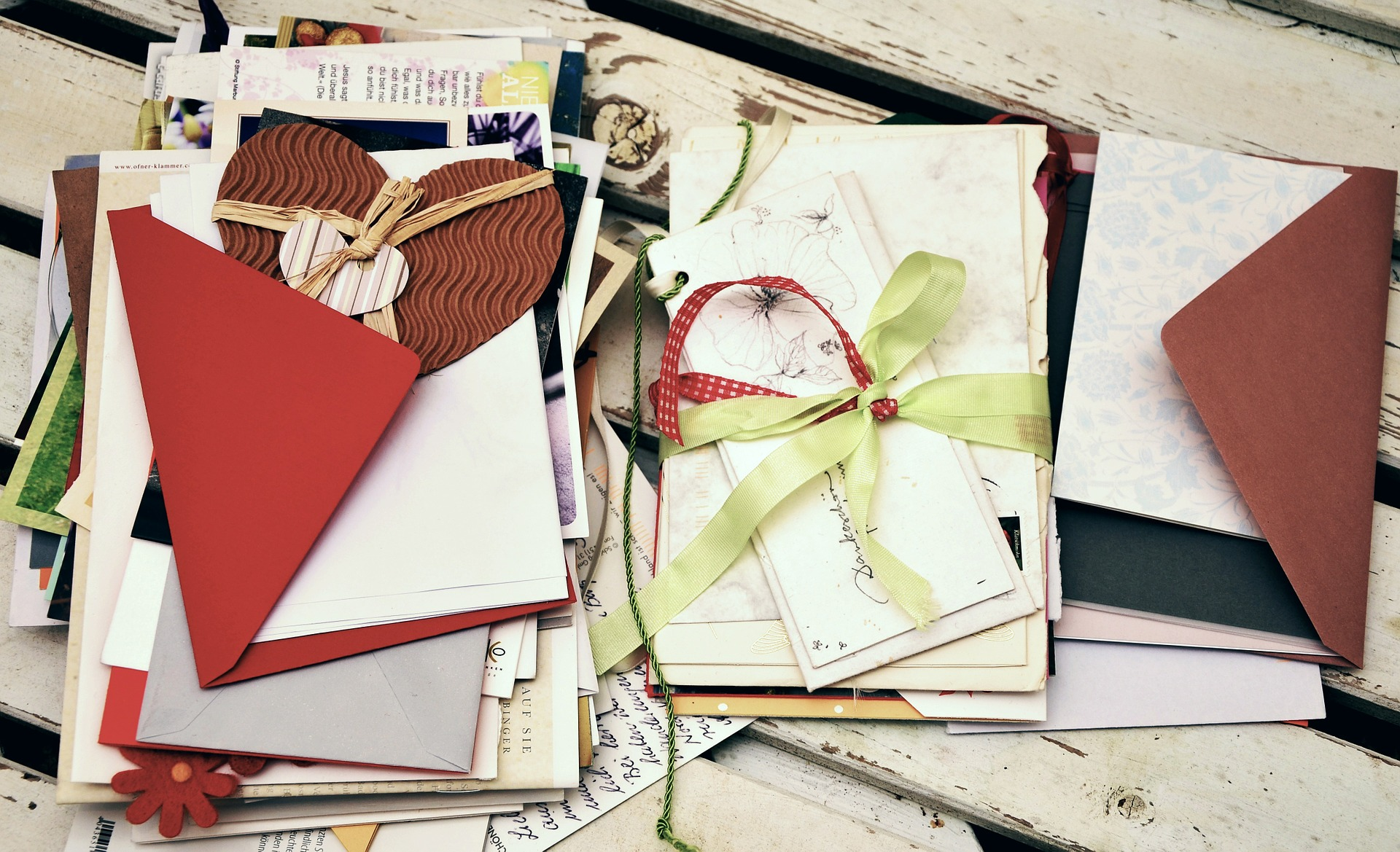 How To Display Repurpose And Store Sentimental Cards February 3 2016 Lauren Thomann Greeting Card Storage Ideas