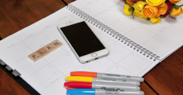 how to organize your life by planning your week in advance