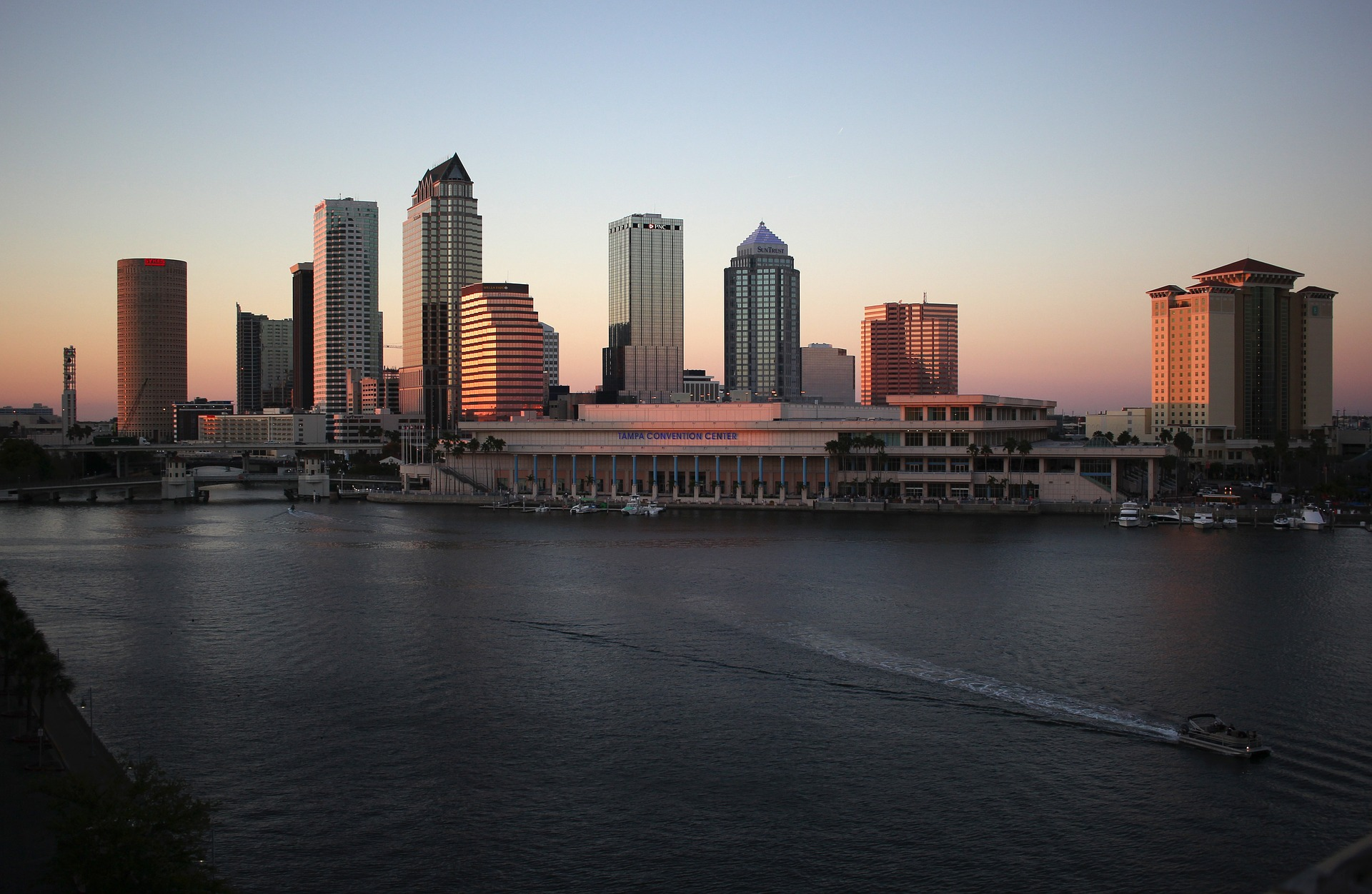 8b5bfa6e Before Moving to Tampa, Consider These Pros and Cons