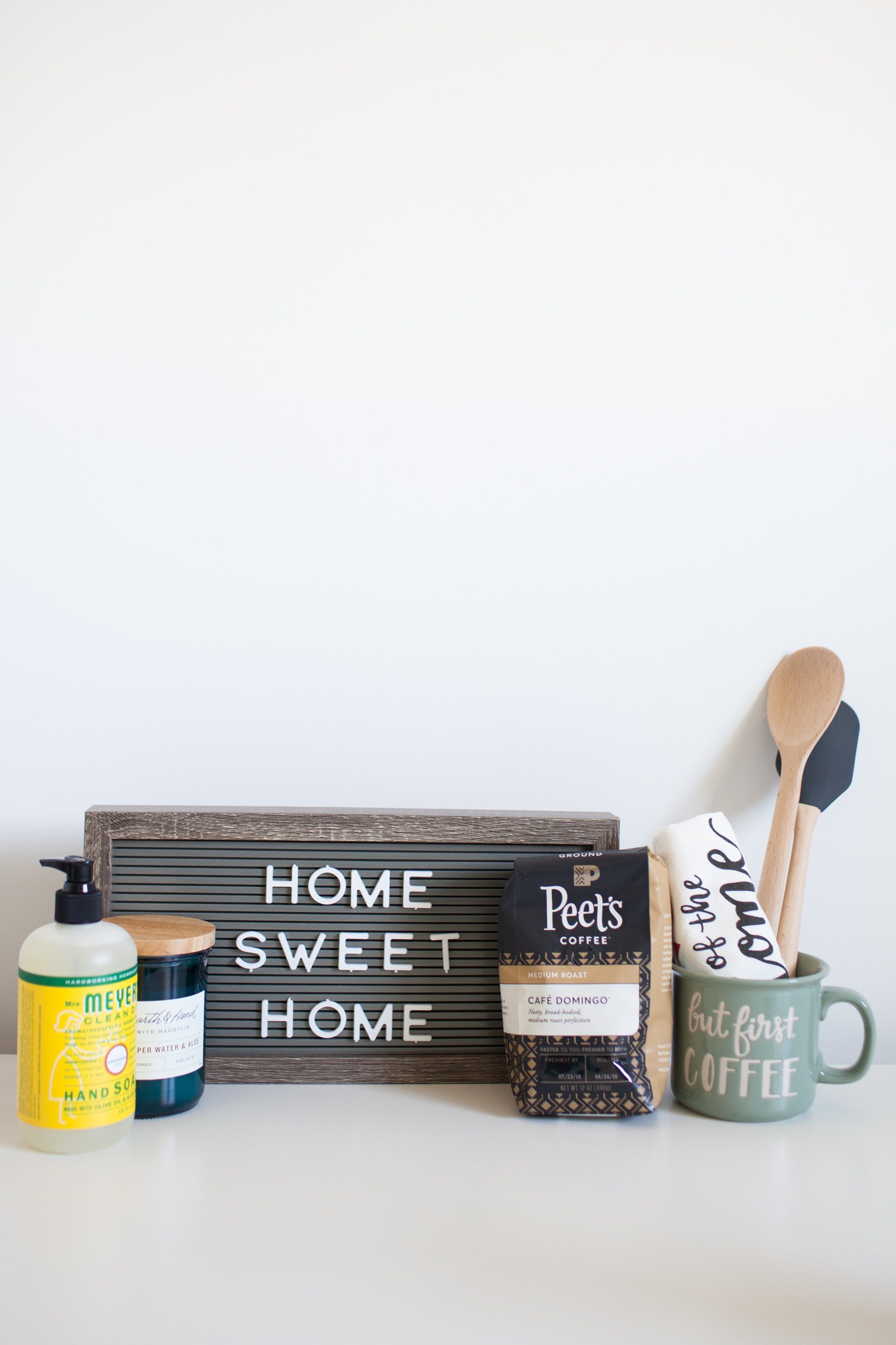 Moving Essentials - What You Need On Moving Day - Gift Basket Ideas