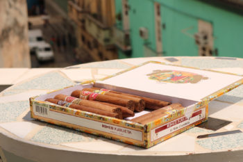 How to Store Cigars to Keep Them Fresh